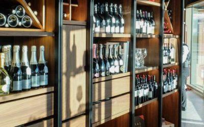 Il vino meglio prenderlo in enoteca che su internet